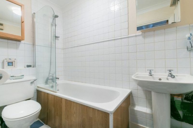 to rent in Brunel House  - Property Image 6