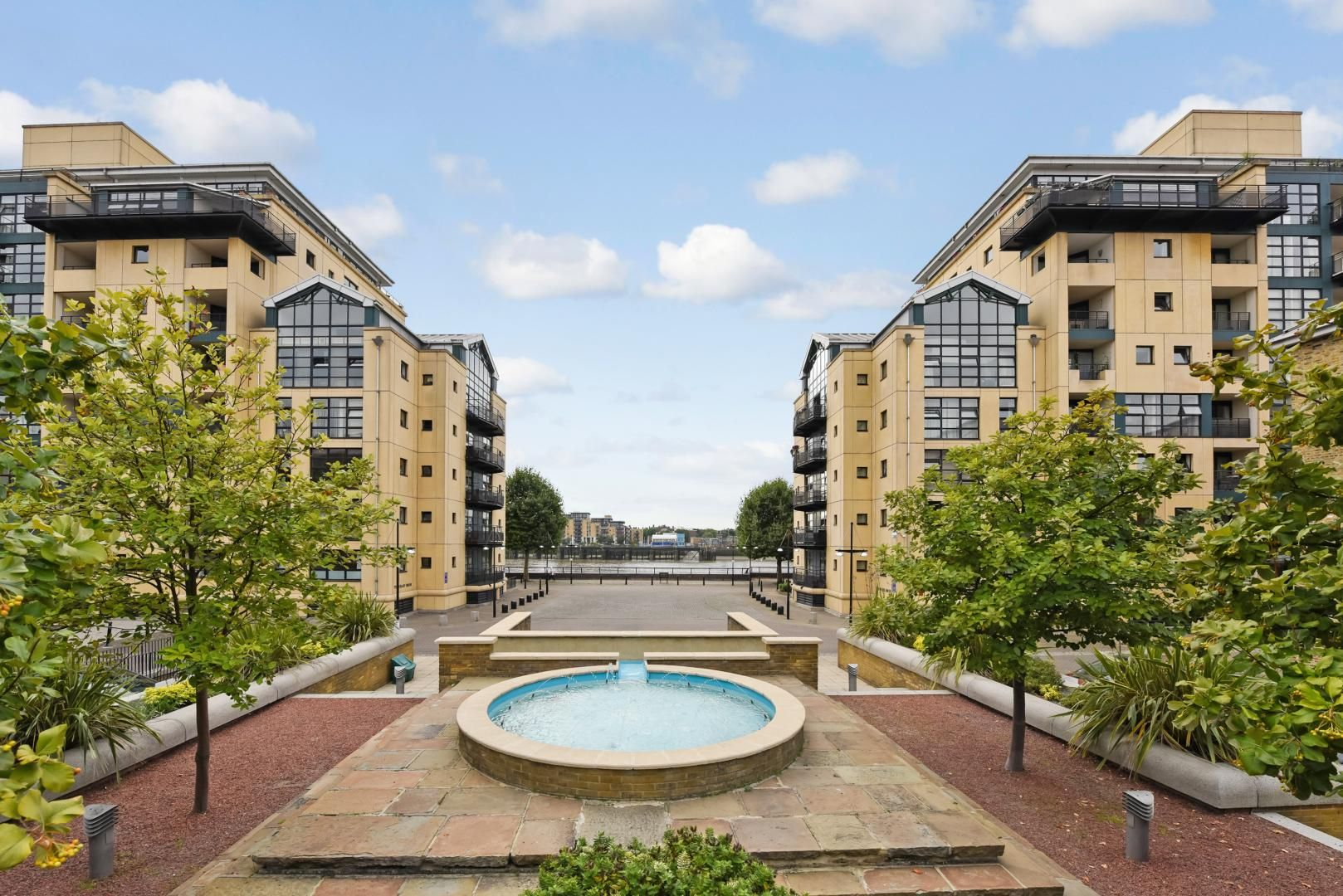 1 bed flat for sale in Wheel House, E14