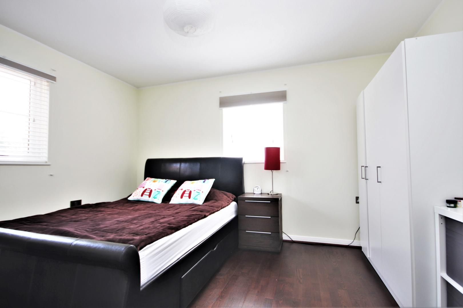 1 bed house for sale in Fleetwood Court  - Property Image 5