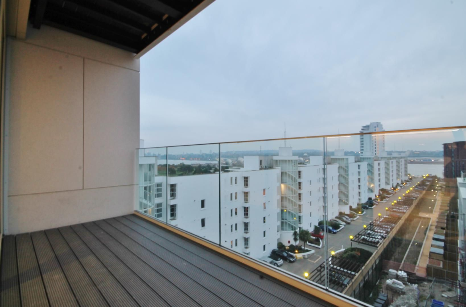 2 bed flat to rent in Corsair House  - Property Image 2