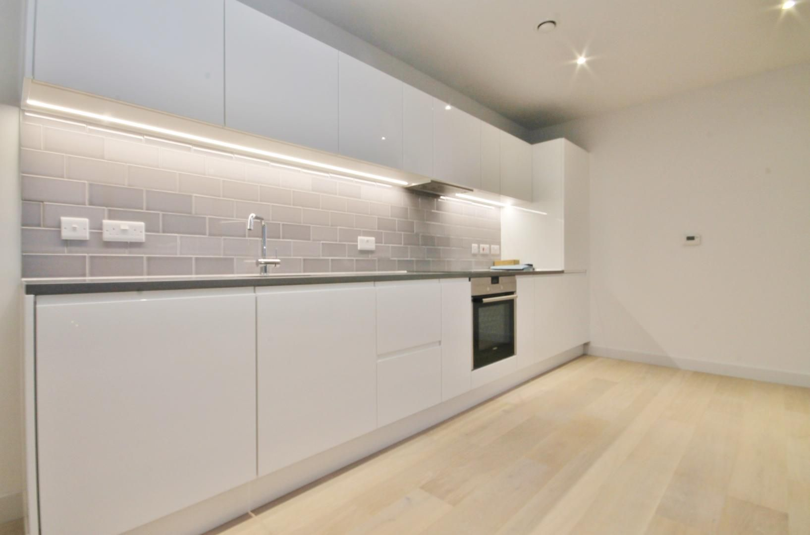 2 bed flat to rent in Corsair House  - Property Image 3
