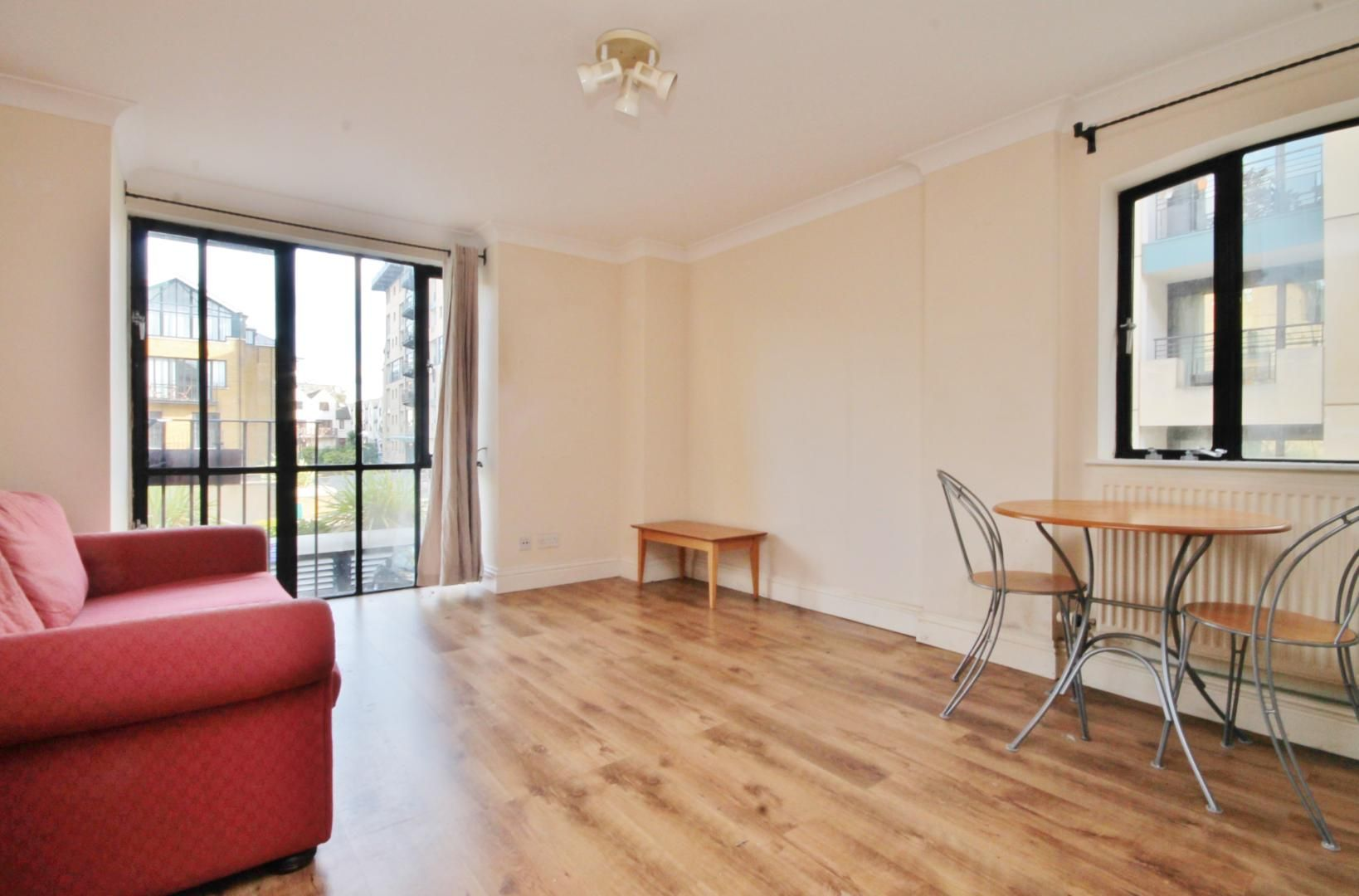 1 bed flat to rent in Burrells Wharf Square  - Property Image 5