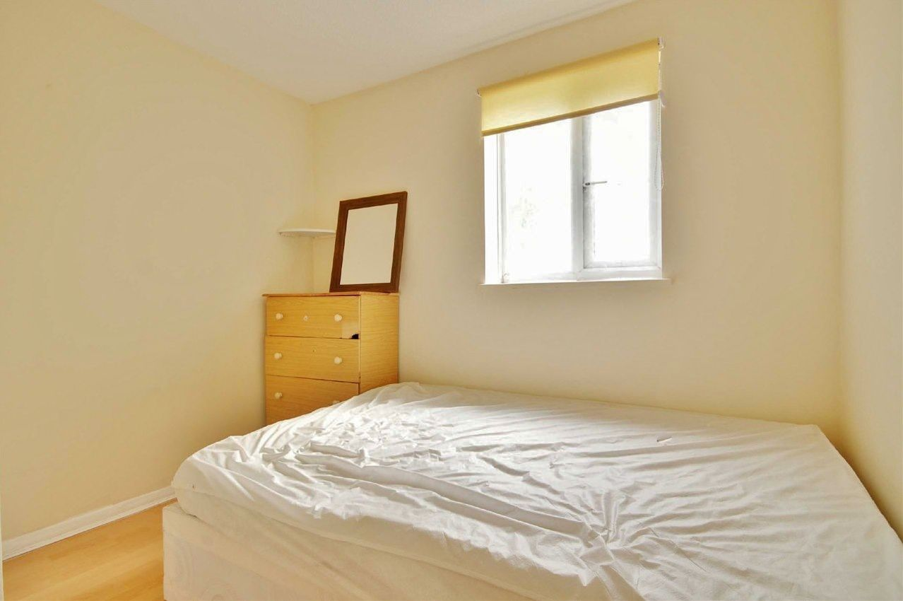 2 bed flat to rent in Tollgate Road  - Property Image 6