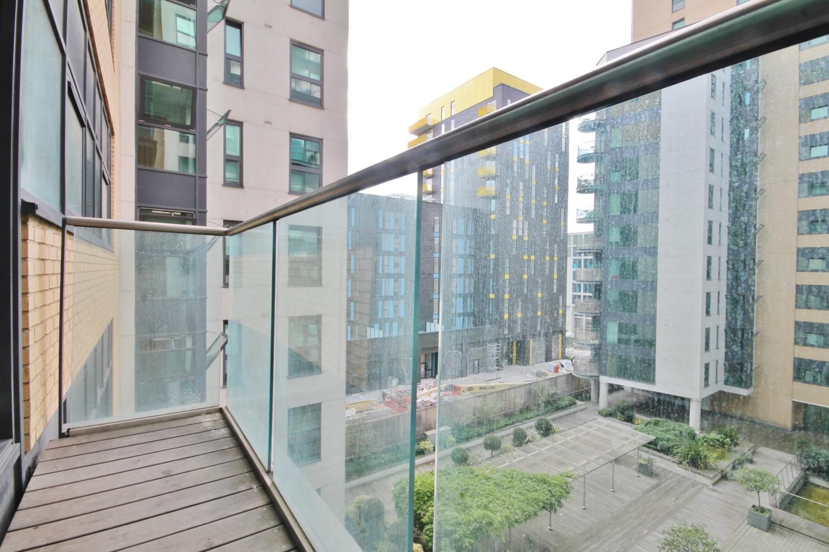 2 bed flat for sale in Millharbour  - Property Image 10