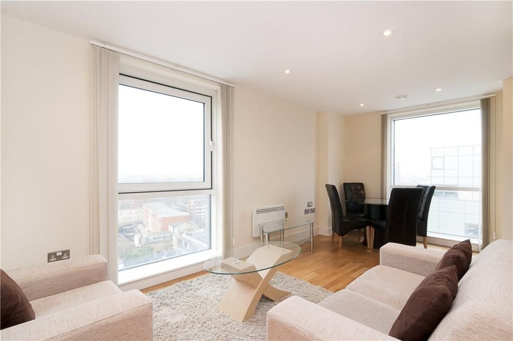 1 bed flat to rent in Wharfside Point South  - Property Image 3