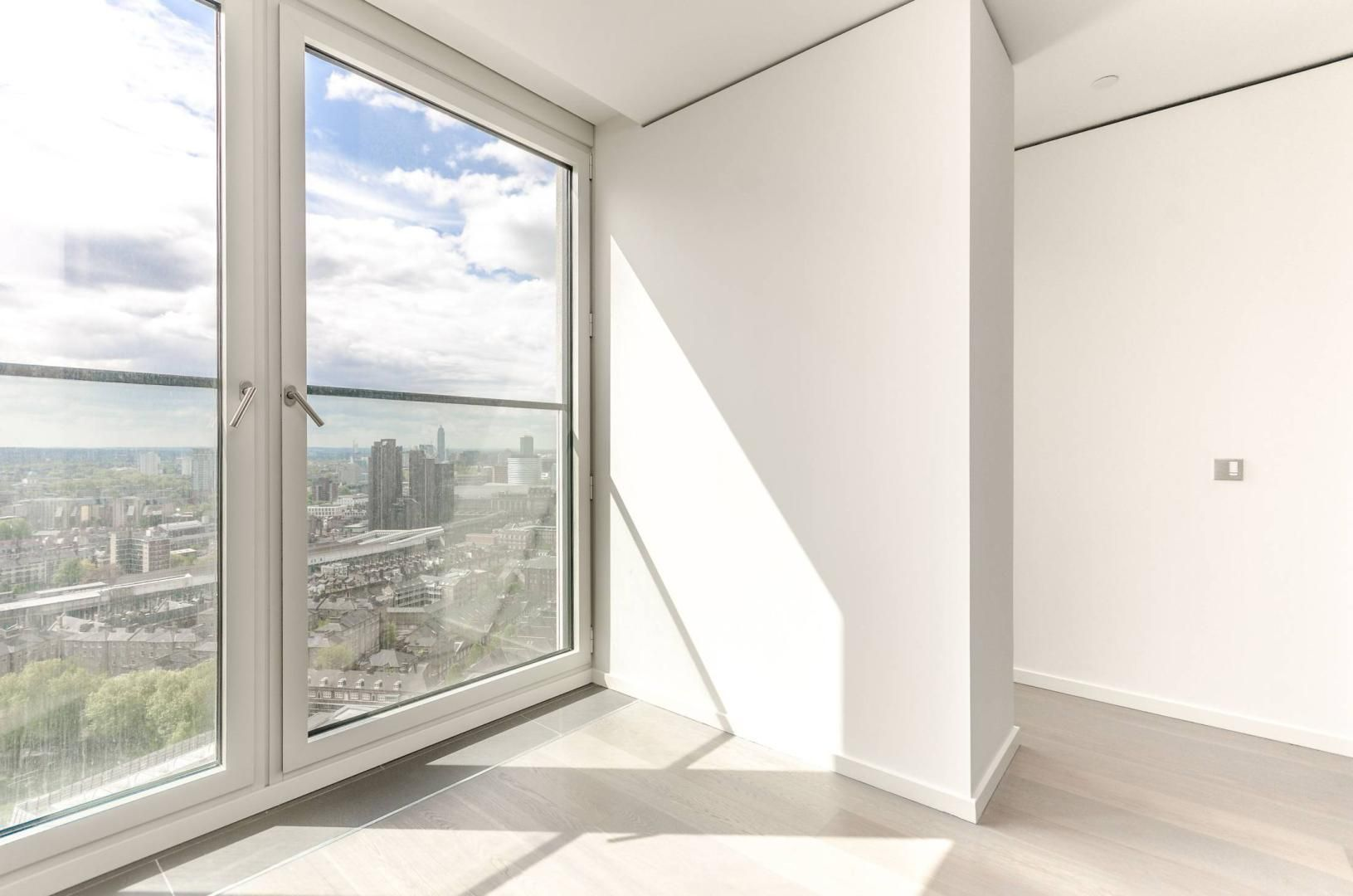 2 bed flat to rent in South Bank Tower  - Property Image 11