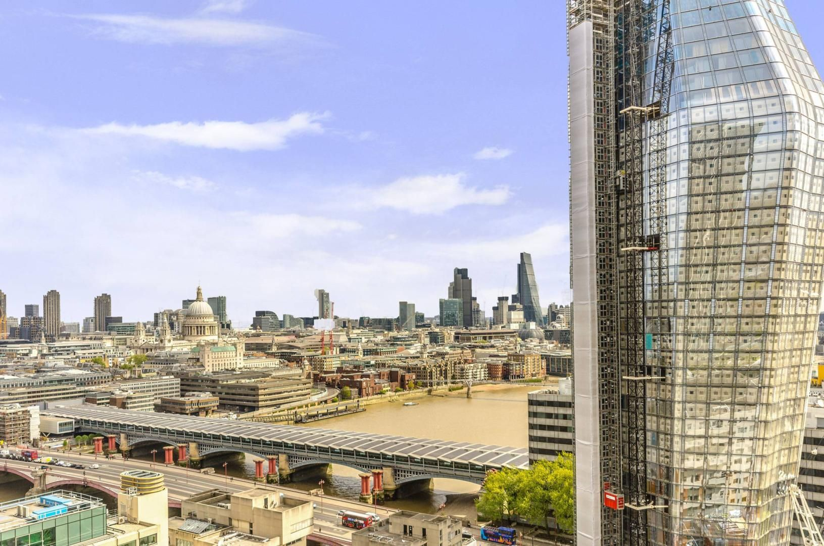 2 bed flat to rent in South Bank Tower  - Property Image 14