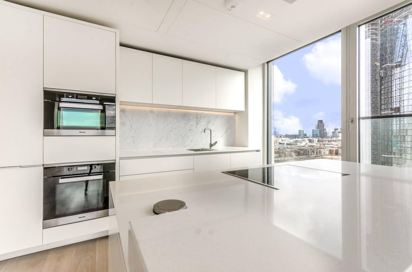 2 bed flat to rent in South Bank Tower  - Property Image 5