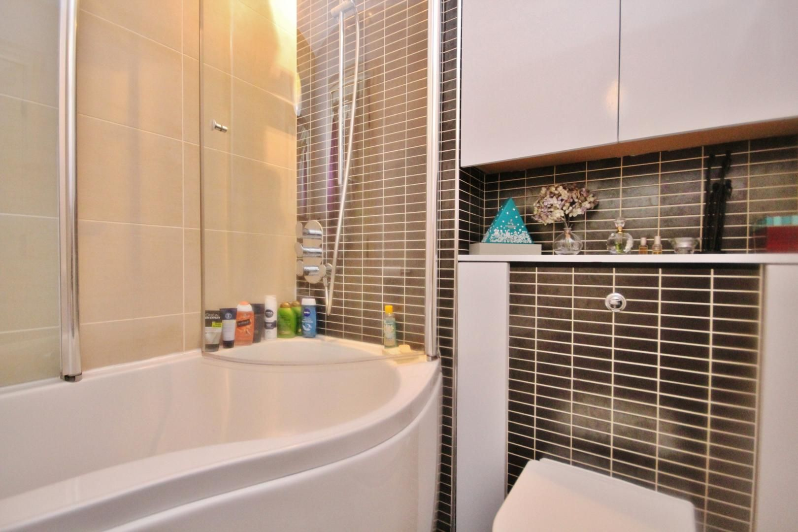 2 bed flat to rent in Beacon House  - Property Image 2