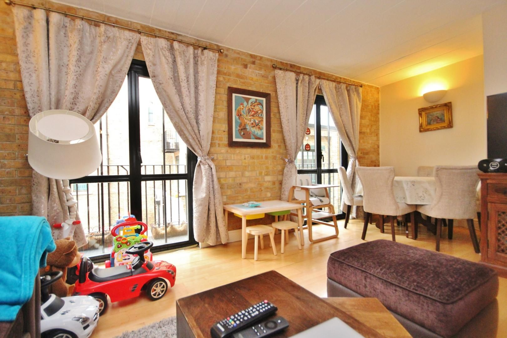 2 bed flat to rent in Beacon House  - Property Image 3