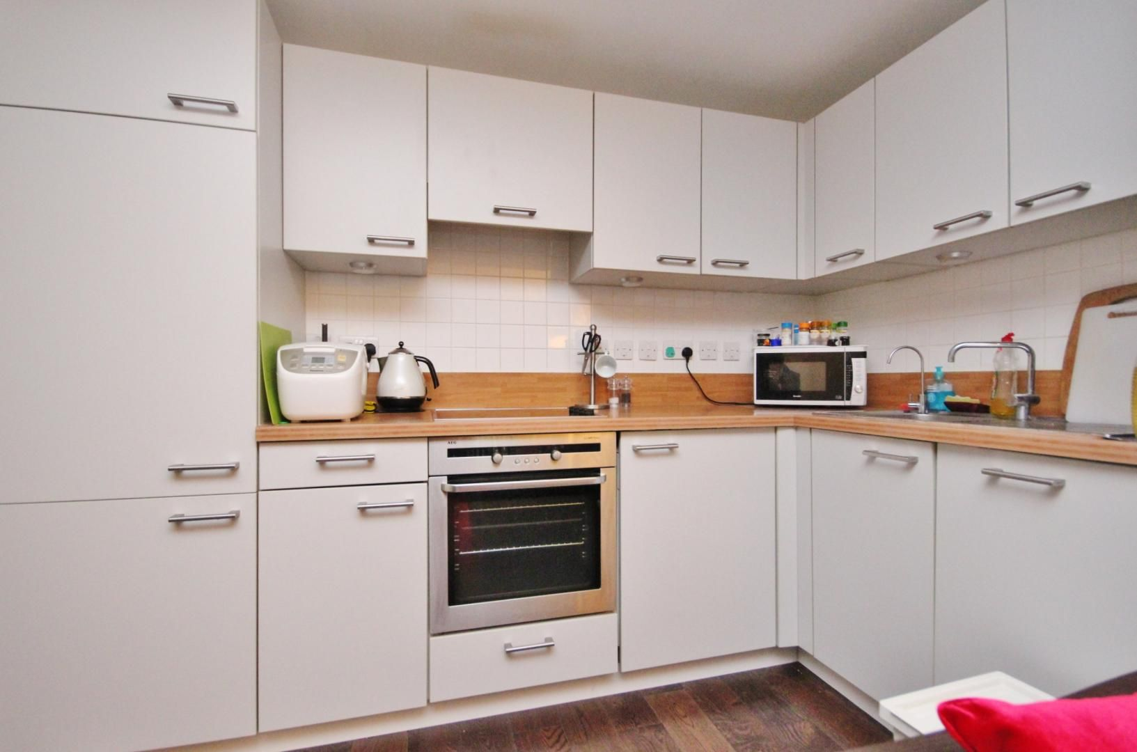 2 bed flat to rent in Maurer Court  - Property Image 2