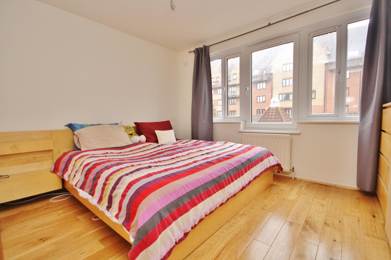 1 bed flat for sale in Leerdam Drive  - Property Image 7