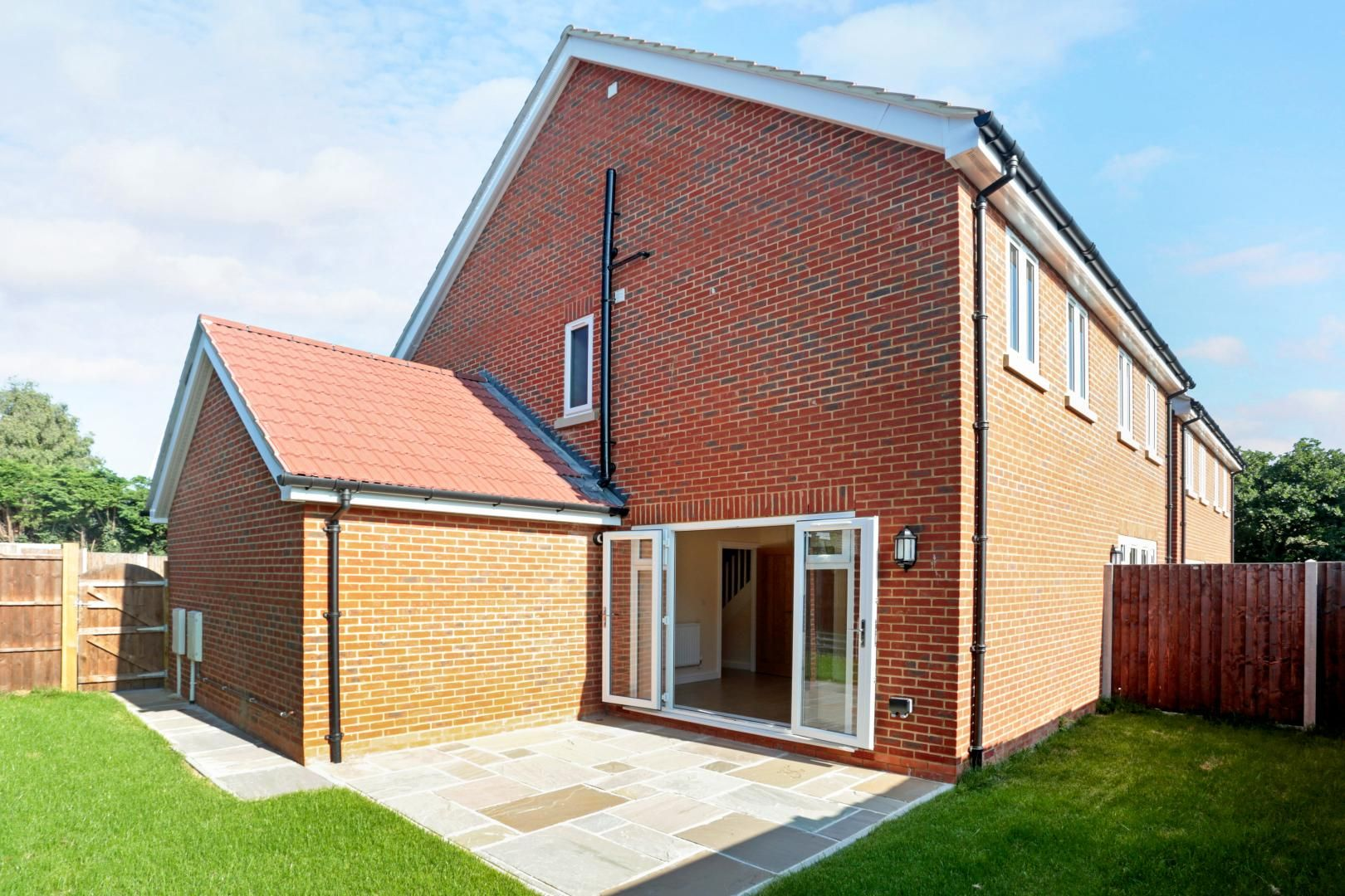 4 bed house for sale in Zara Court, ME8