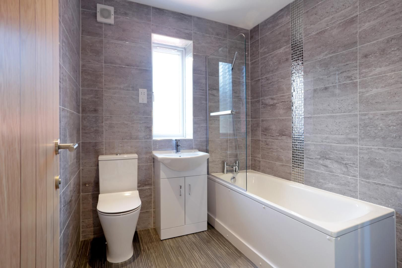4 bed house for sale in Zara Court  - Property Image 2