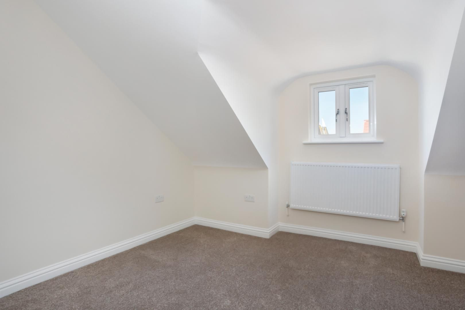 4 bed house for sale in Zara Court  - Property Image 5