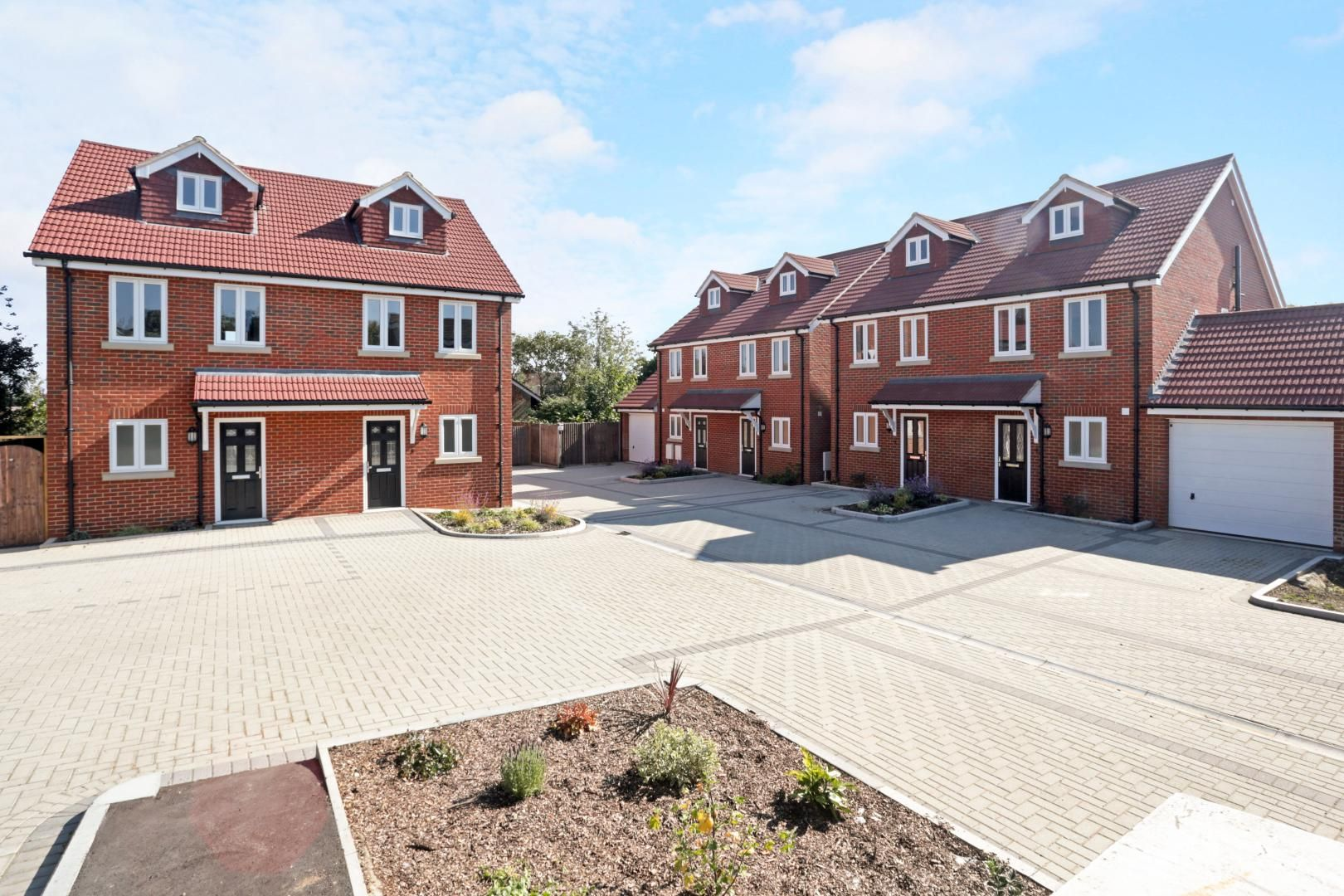 3 bed house for sale in Zara Court, ME8
