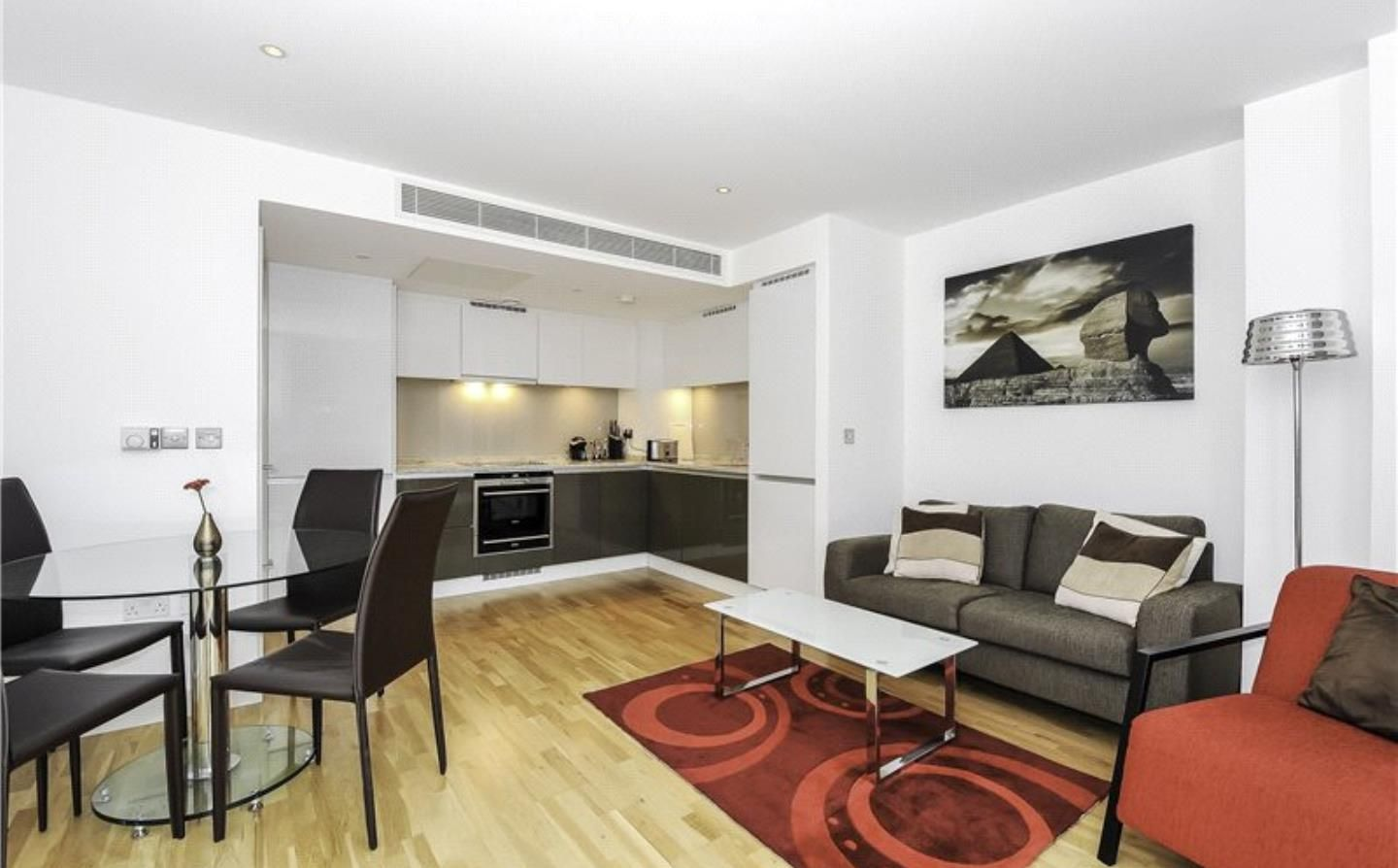1 bed flat to rent in Landmark East Tower, E14