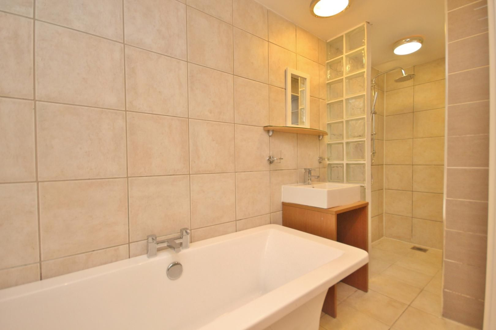 1 bed flat to rent in Woodstock Terrace  - Property Image 3