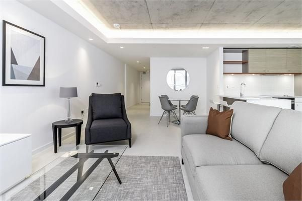 1 bed flat for sale in Hoola Tower East  - Property Image 3