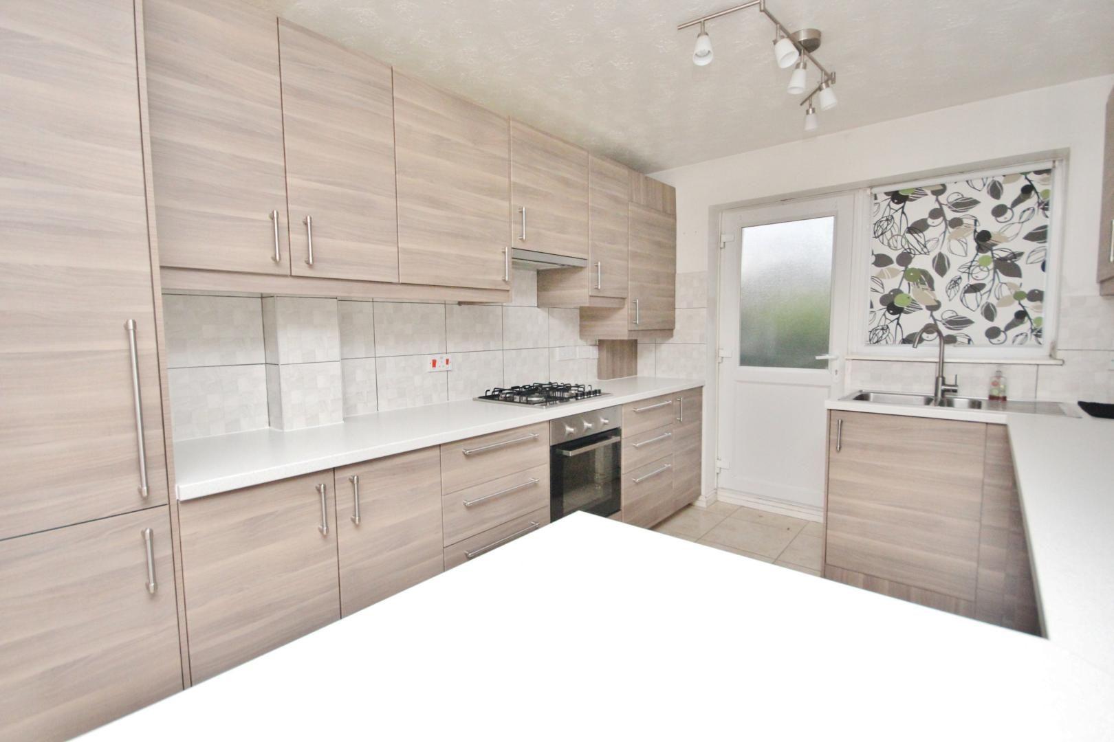 4 bed house for sale in Ambassador Gardens  - Property Image 5