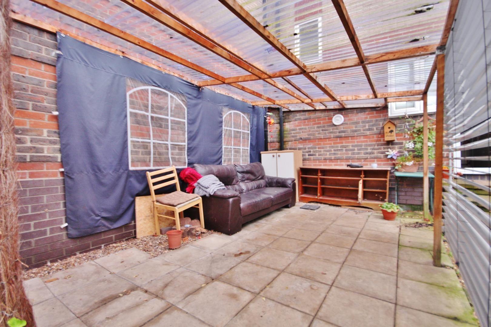 4 bed house for sale in Ambassador Gardens  - Property Image 9