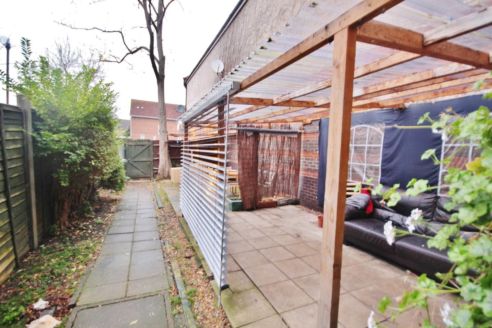 4 bed house for sale in Ambassador Gardens  - Property Image 10