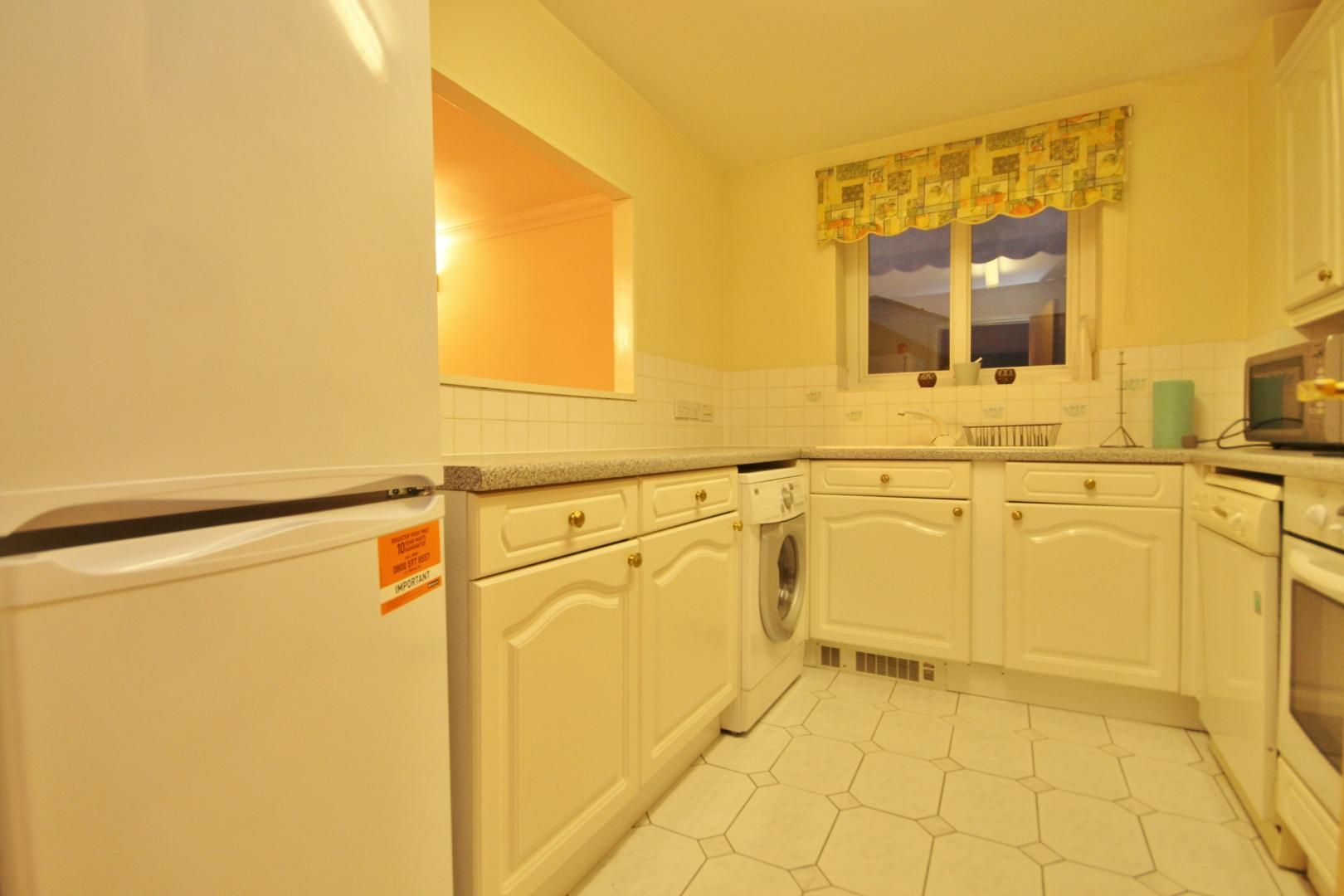 2 bed flat to rent in 3 Millennium Drive  - Property Image 2