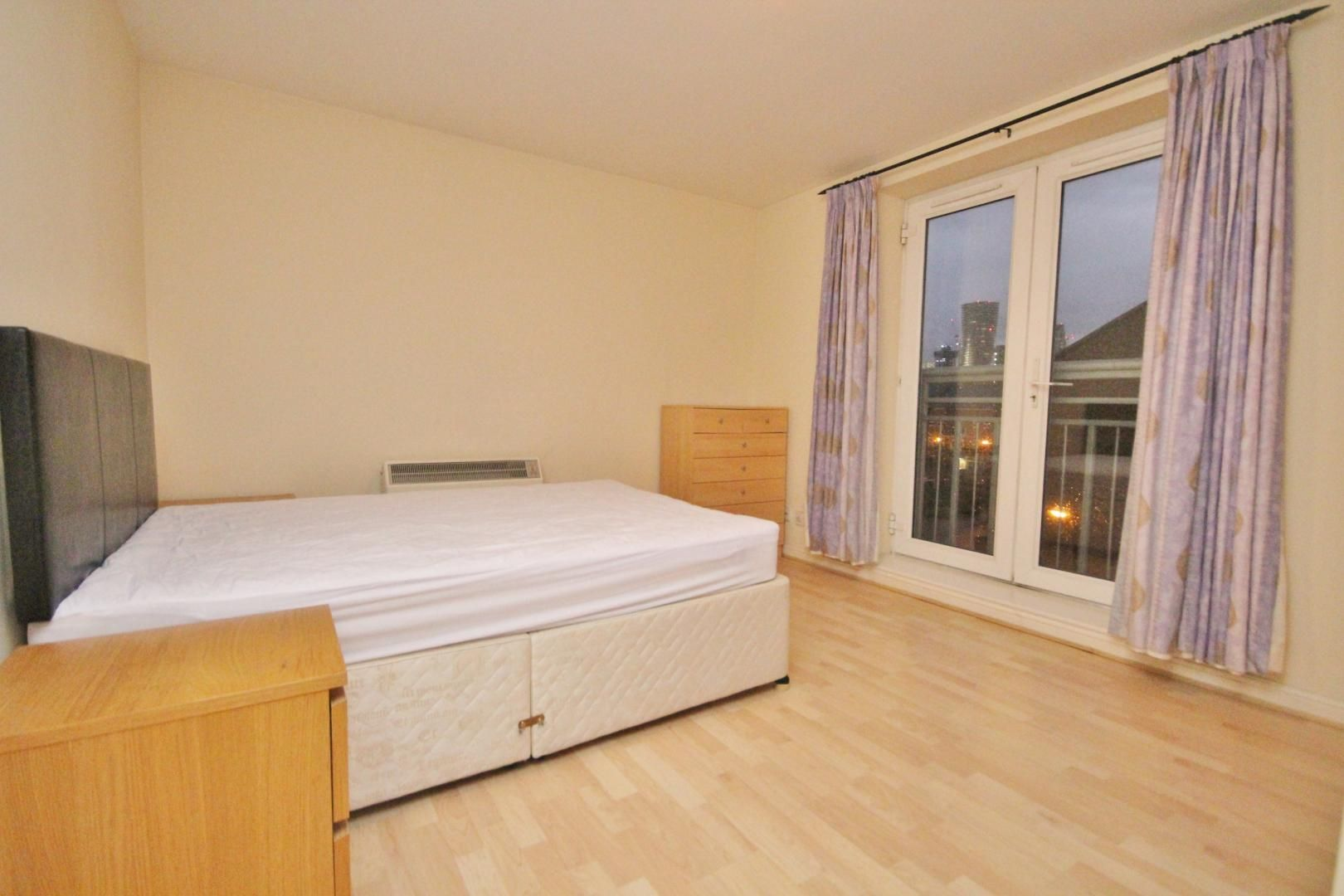 2 bed flat to rent in 3 Millennium Drive  - Property Image 3