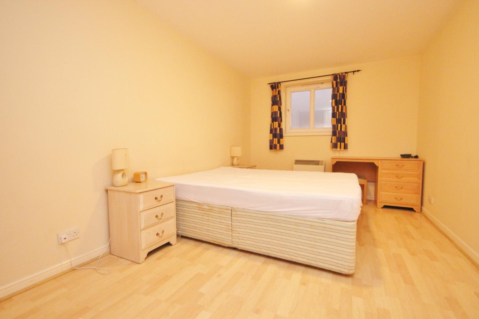 2 bed flat to rent in 3 Millennium Drive  - Property Image 8