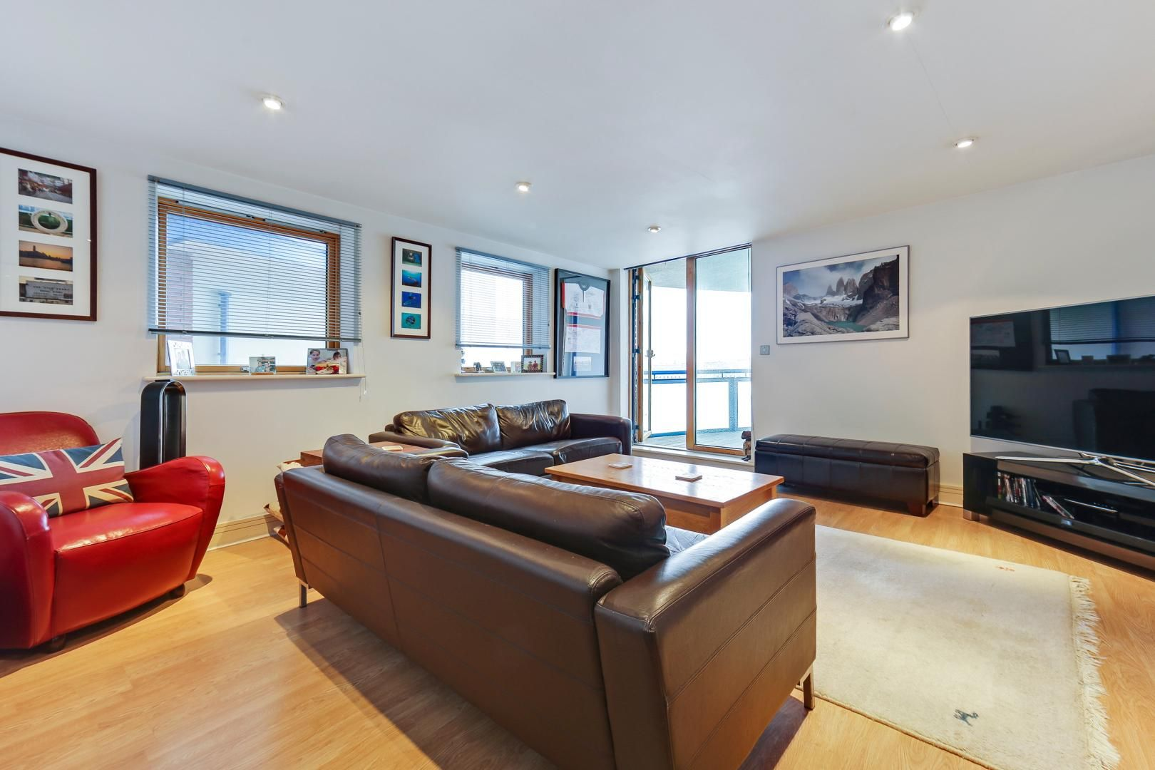 1 bed flat for sale in Nova Building, E14