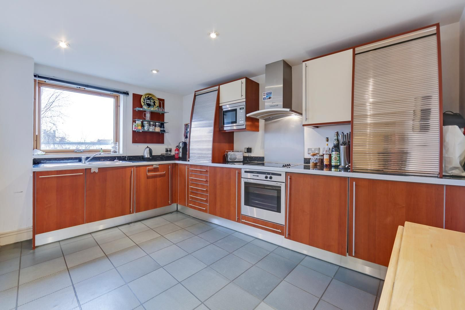 1 bed flat for sale in Nova Building  - Property Image 3