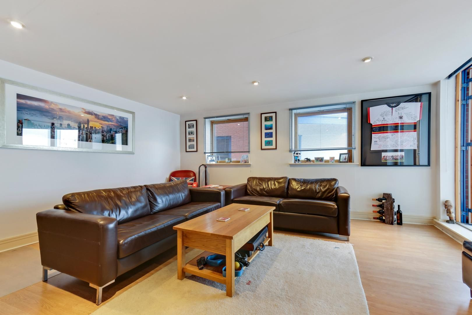 1 bed flat for sale in Nova Building  - Property Image 4