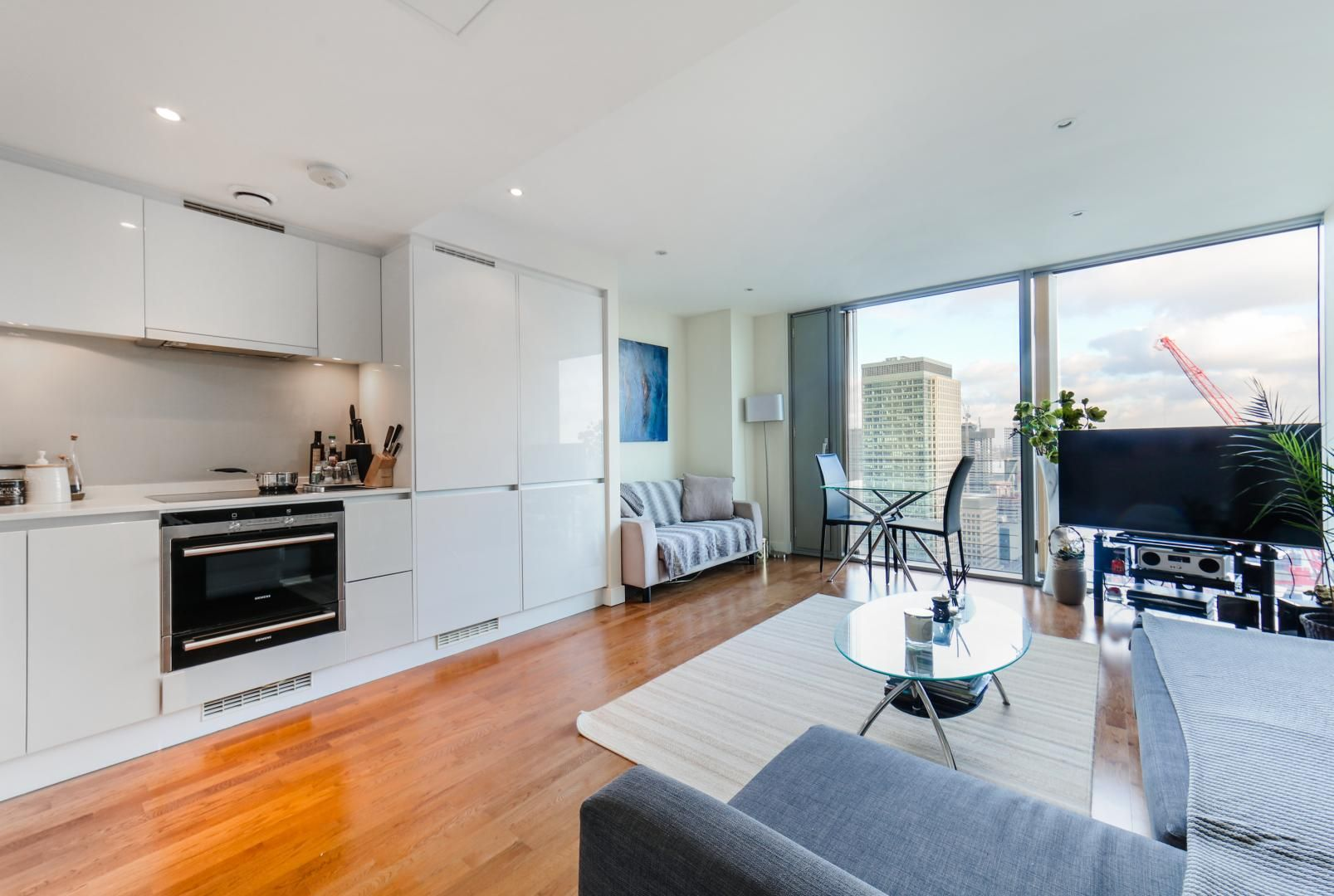 1 bed flat for sale in Landmark East Tower  - Property Image 5