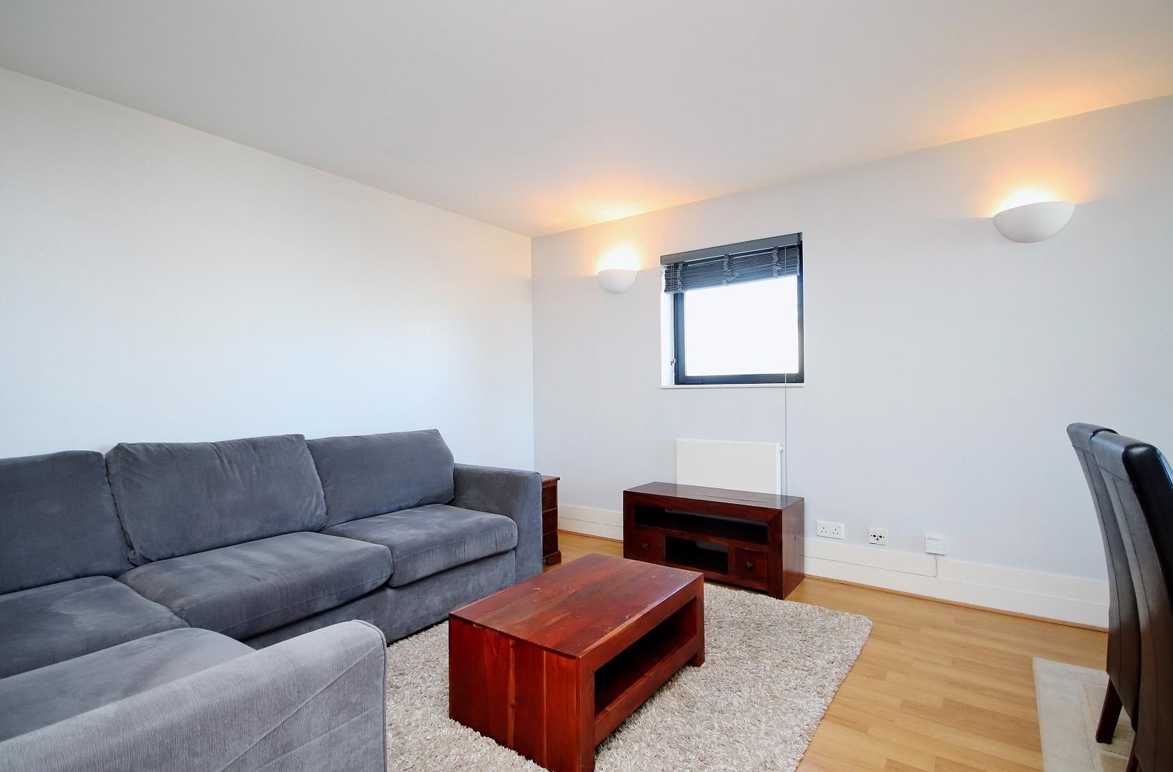 2 bed flat to rent in Chart House  - Property Image 2