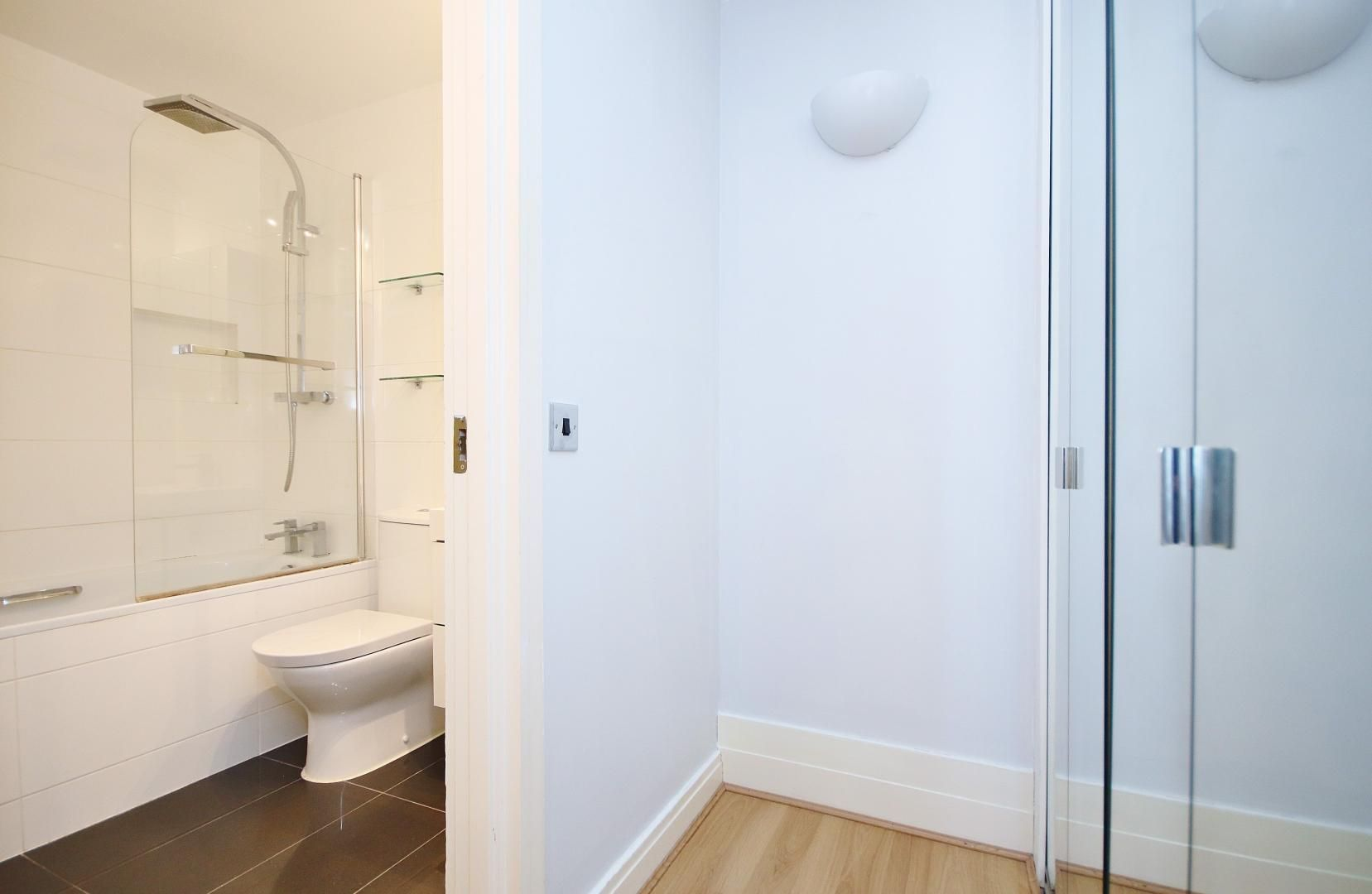 2 bed flat to rent in Chart House  - Property Image 7