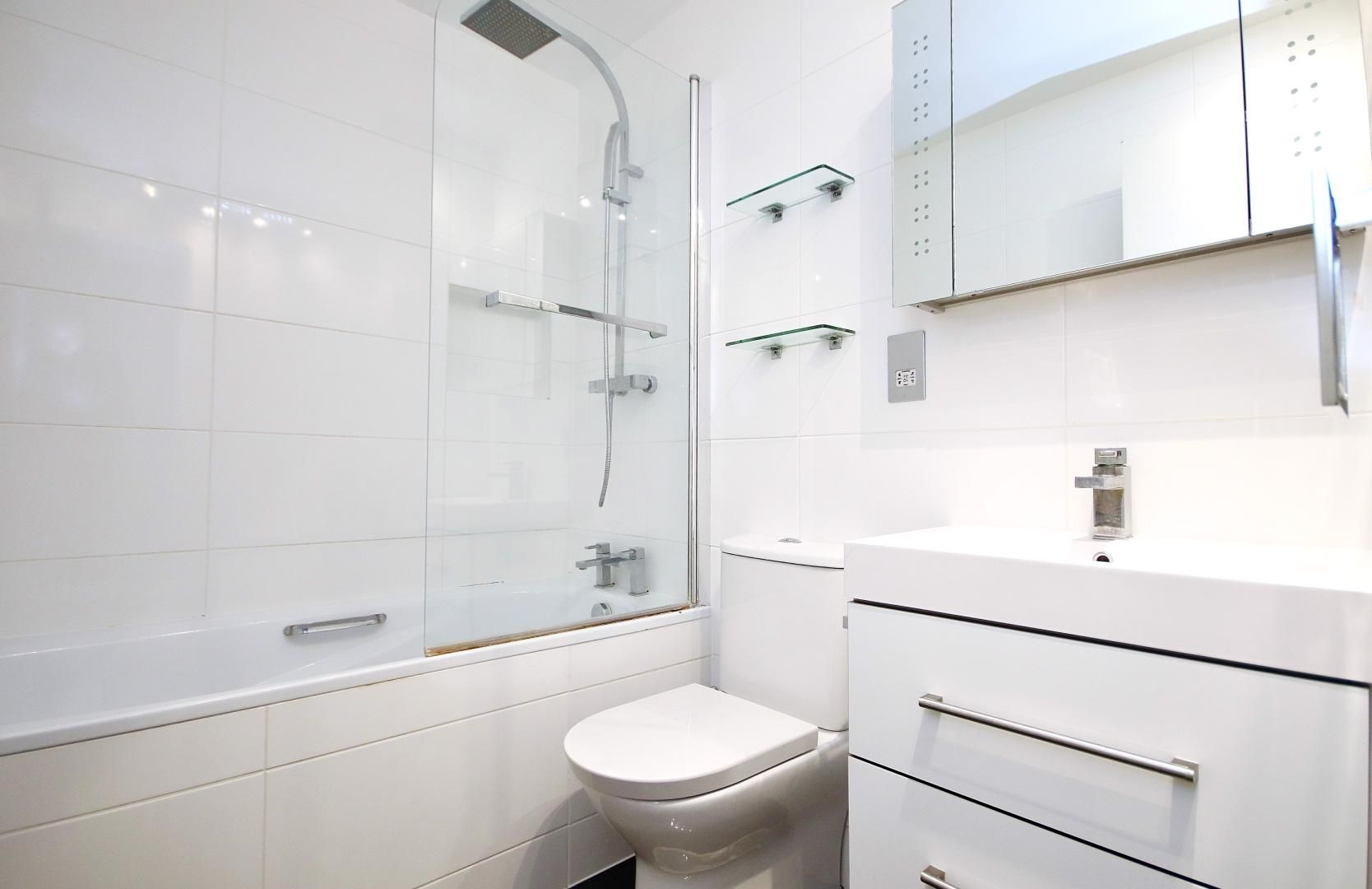 2 bed flat to rent in Chart House  - Property Image 8