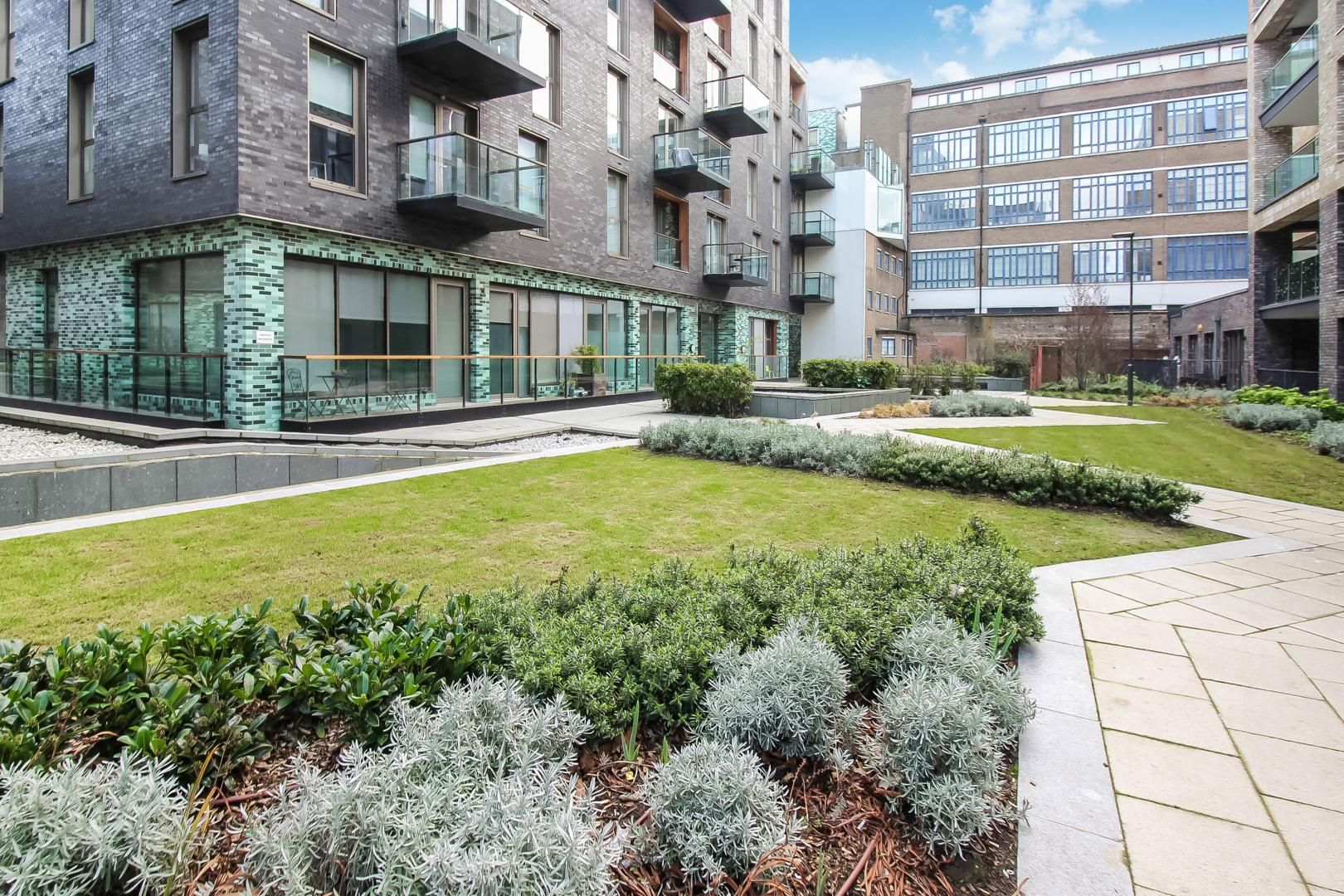 2 bed flat to rent in Haven Way  - Property Image 3