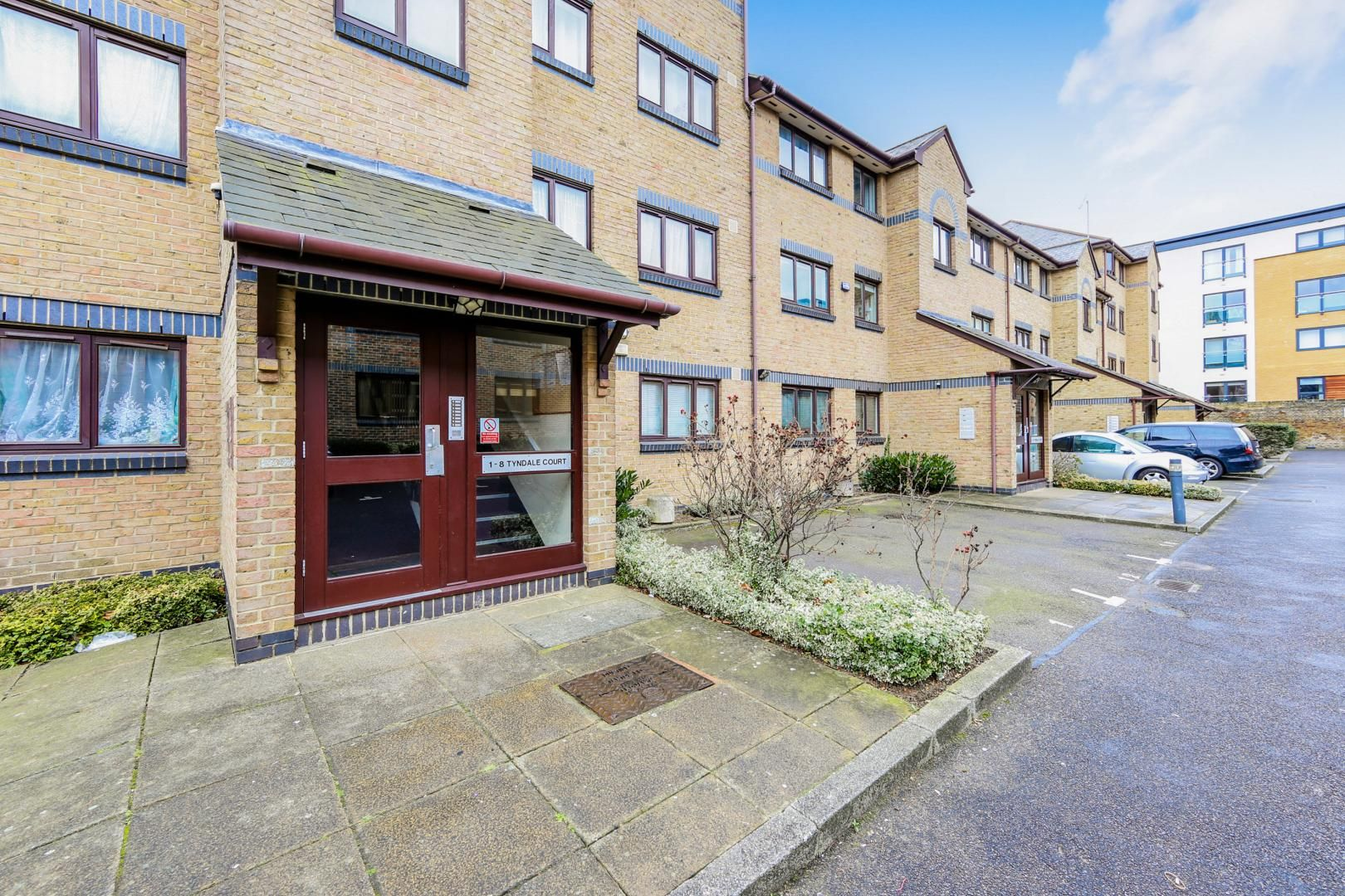 2 bed flat for sale in Tyndale Court  - Property Image 8