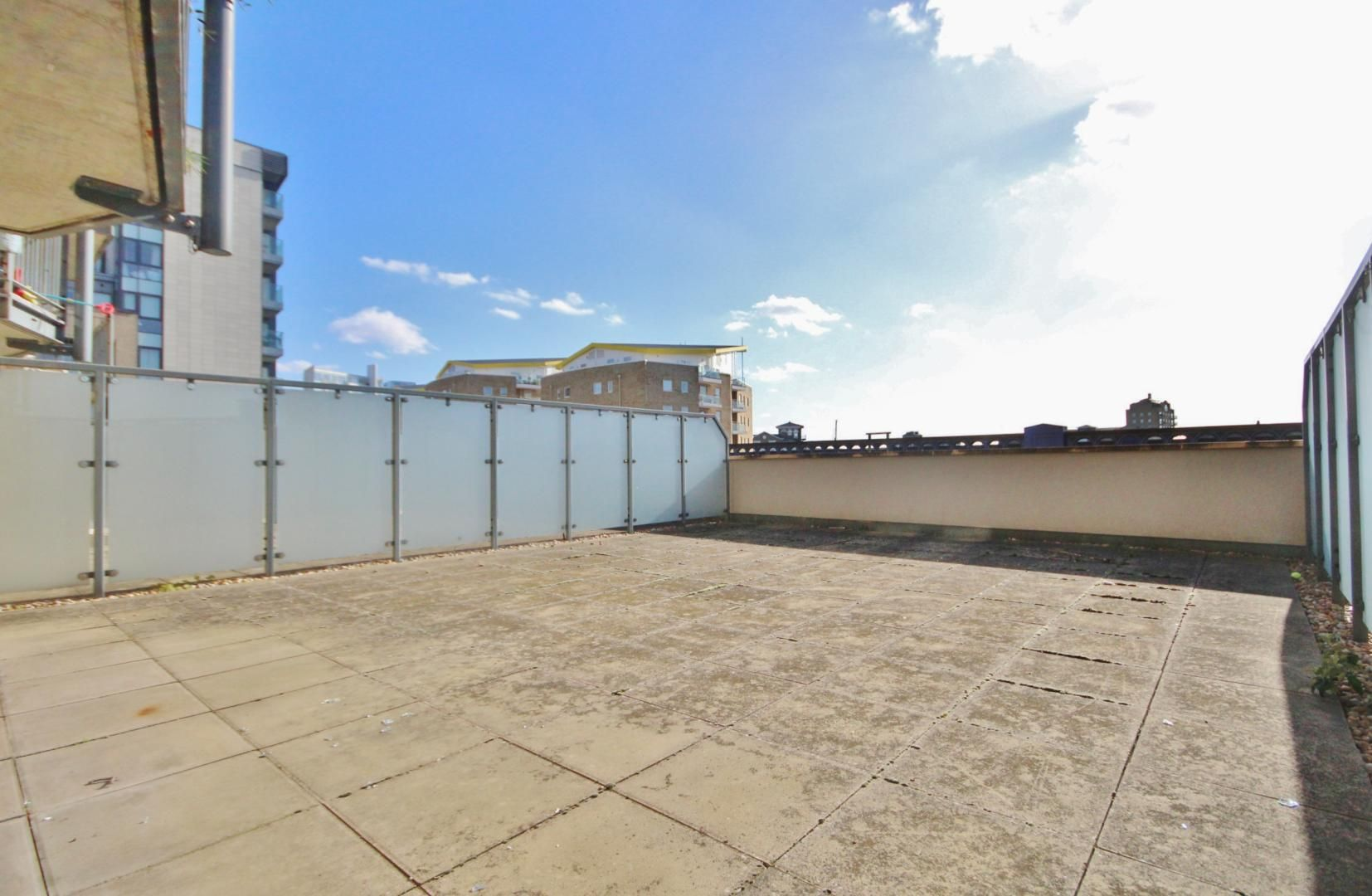 2 bed flat for sale in 600 Commercial Road  - Property Image 6