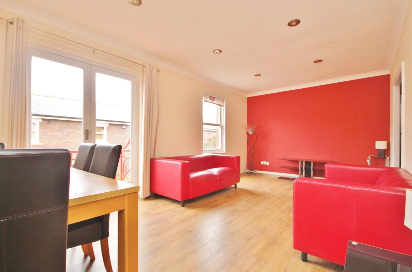 1 bed flat to rent in Lockesfield Place, E14