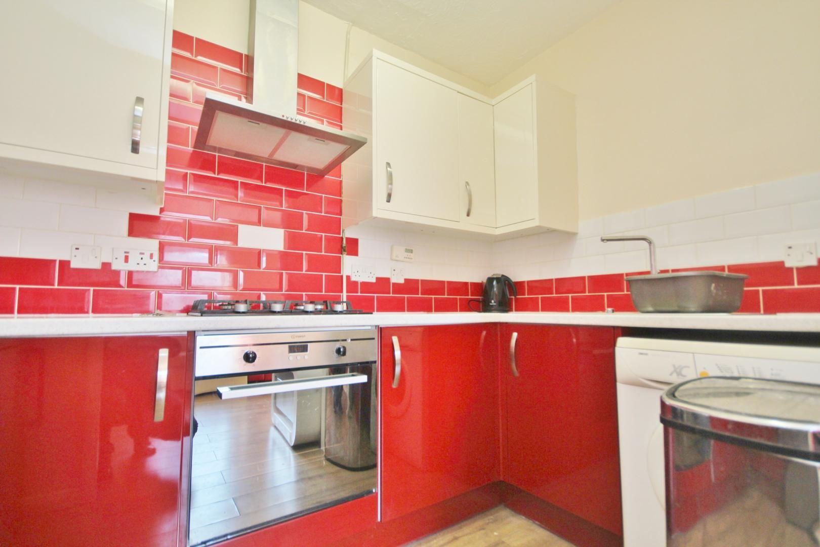 1 bed flat to rent in Lockesfield Place  - Property Image 4