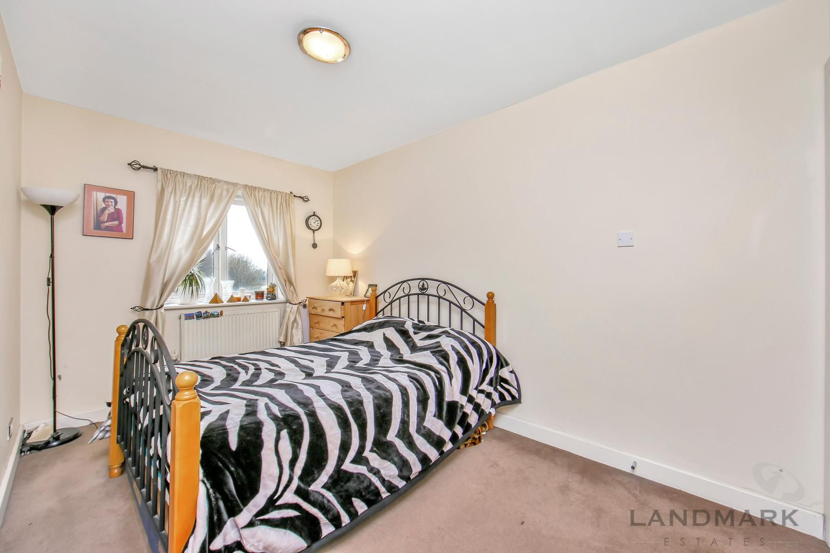 2 bed flat for sale in Atlantic Court  - Property Image 2