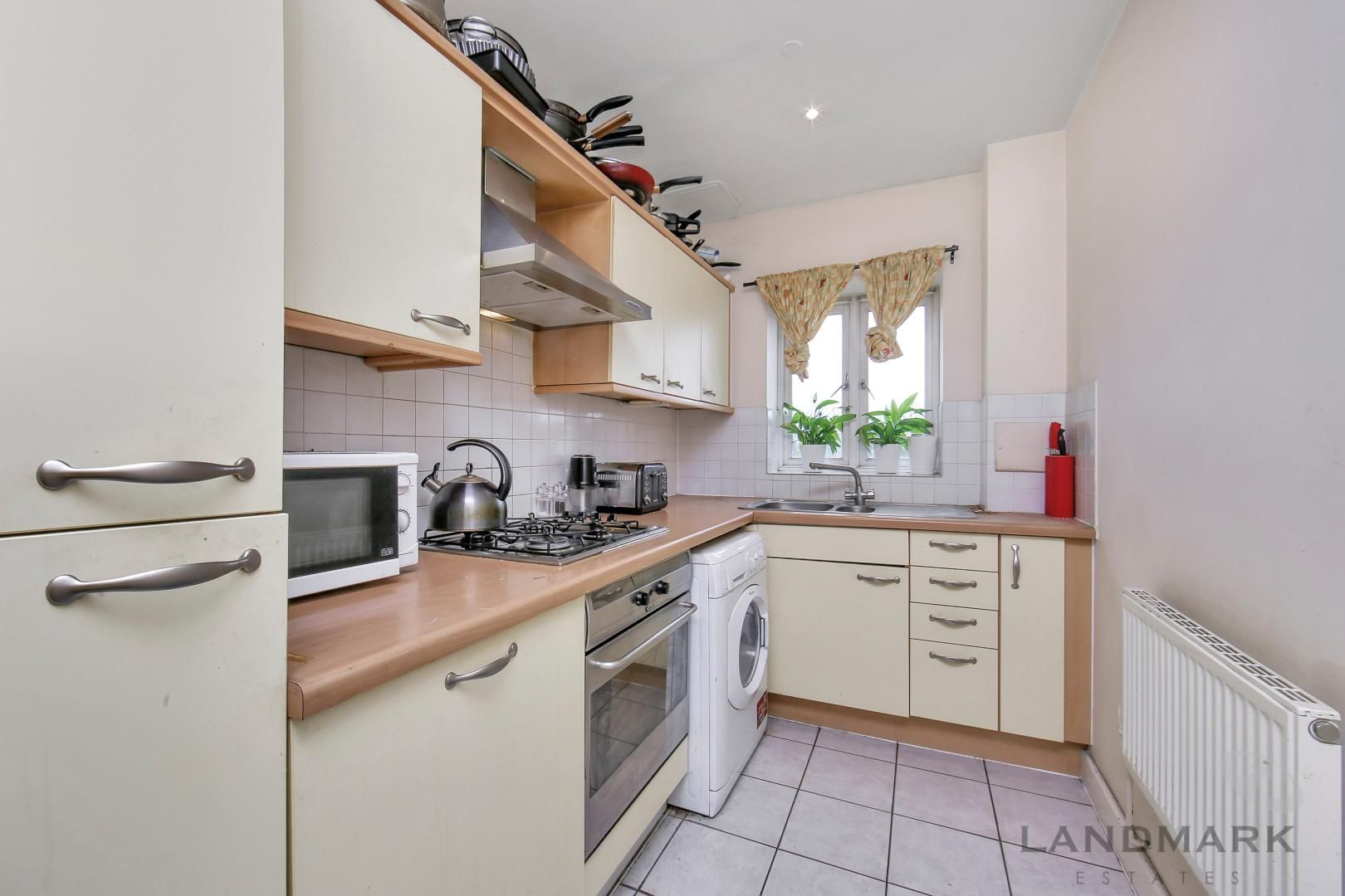 2 bed flat for sale in Atlantic Court  - Property Image 4