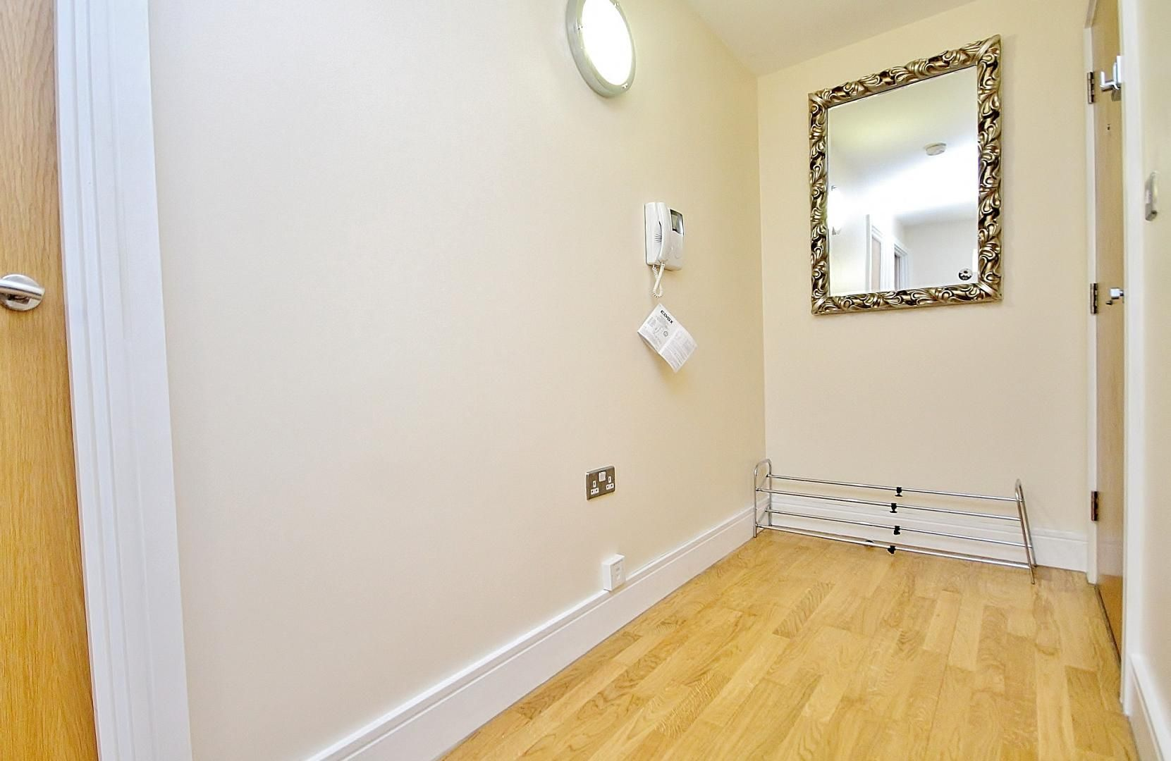 2 bed flat to rent in Wharfside Point South  - Property Image 10