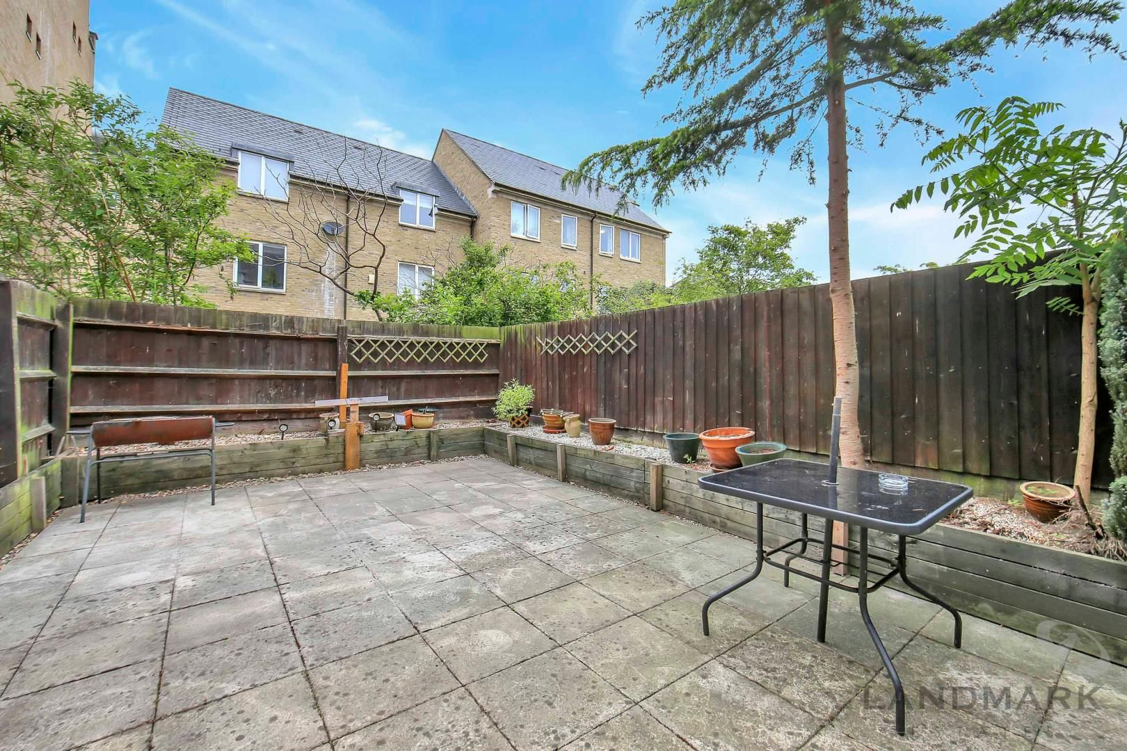 4 bed house to rent in Bering Square  - Property Image 5