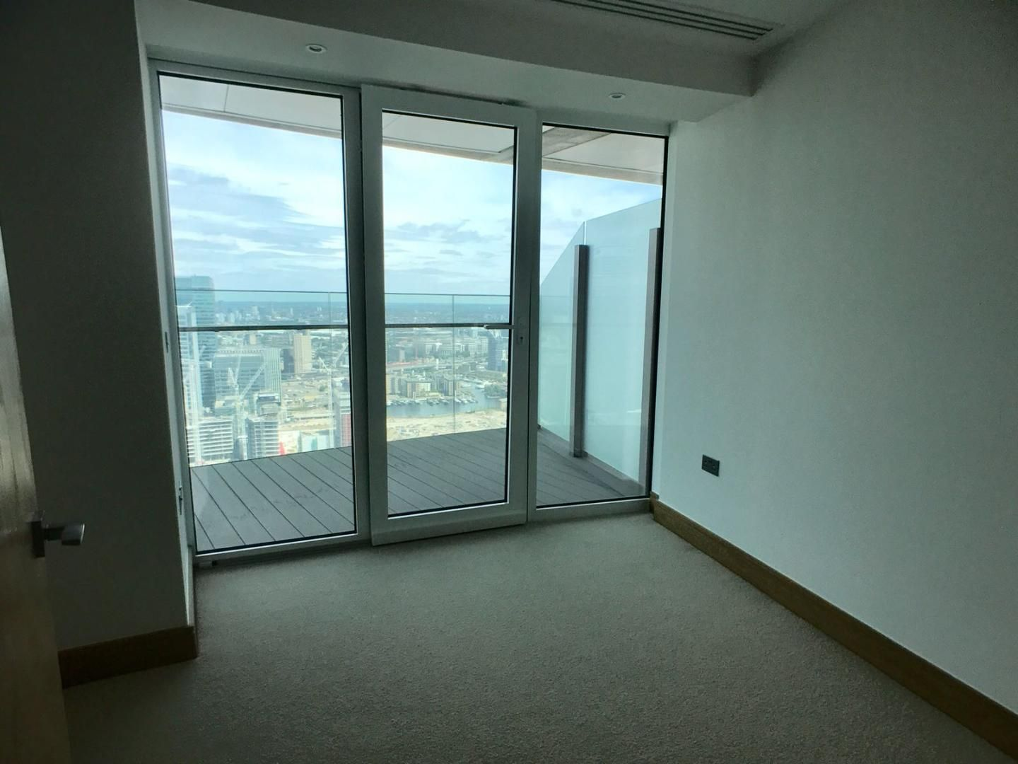 1 bed flat to rent in Arena Tower  - Property Image 2