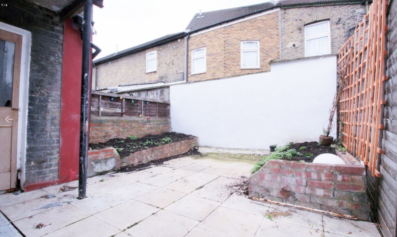 2 bed flat to rent in New Barn Street  - Property Image 7