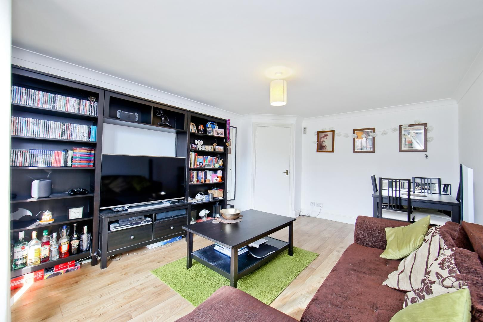 1 bed flat for sale in Slipway House  - Property Image 2