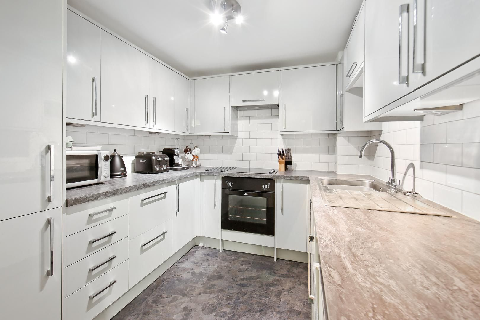 1 bed flat for sale in Slipway House  - Property Image 4