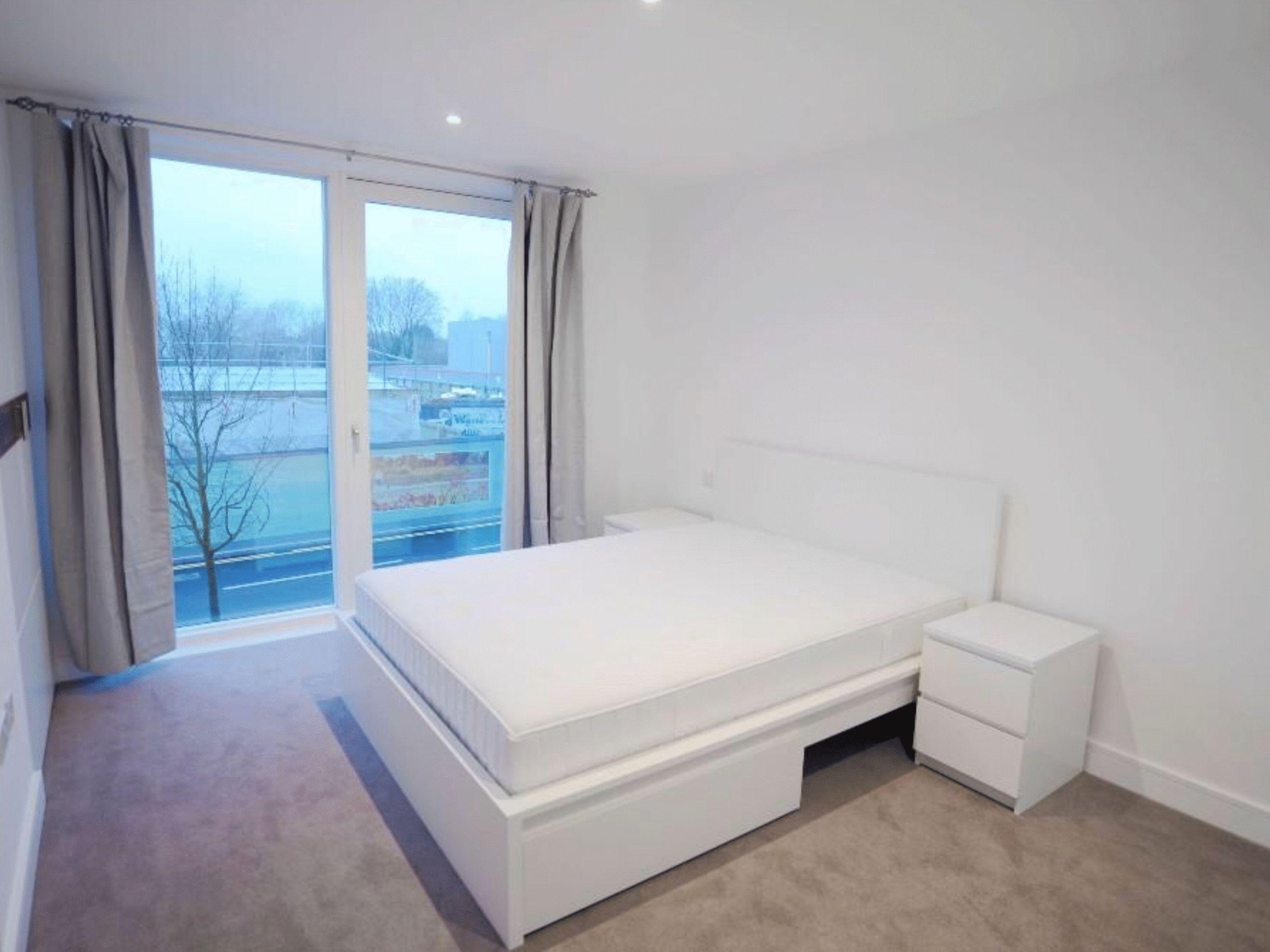 2 bed  to rent in Ebury Bridge Road  - Property Image 2